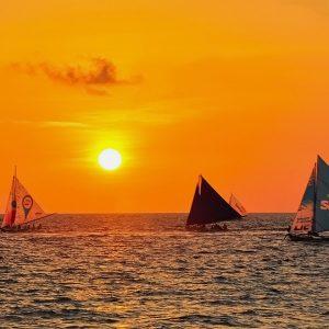 paraw sunset sailing boracay