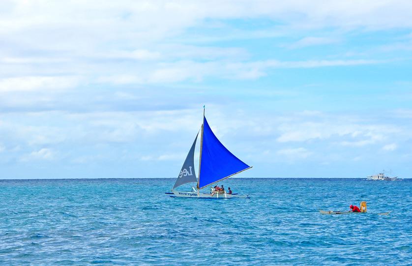boracay-day-paraw-sailing