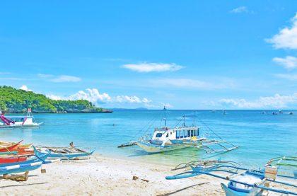 island-hopping-boracay-boat-1